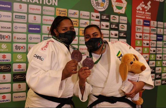 Beatriz Souza e Maria Suelen Altheman faturam bronze para o Brasil no Mundial
