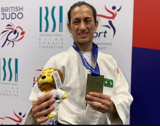 Lúcia Araújo é ouro na Inglaterra e esta pronta para Tóquio